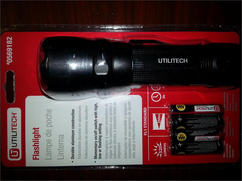 320 Lumens Utilitech Led Flashlight